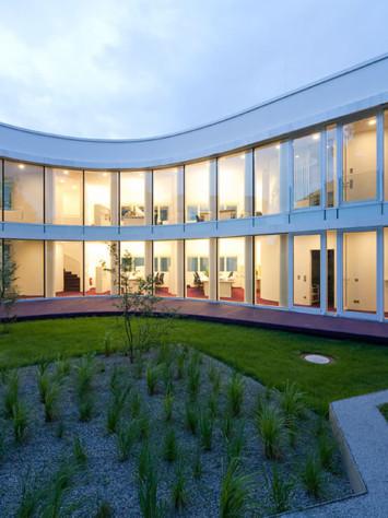 Buero Saegeling Stahl Aufsatzfassade Rp Tec 55 1 Innenhof