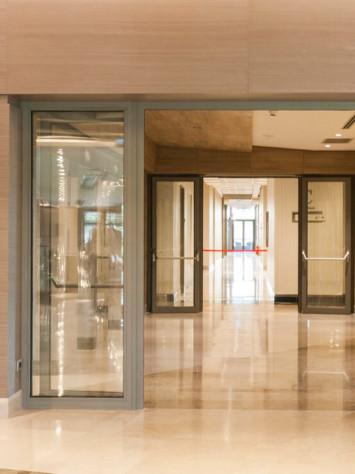 Hospital Istanbul Stahl Glas Tueren Brandschutz Detail 1