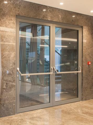 Hospital Istanbul Stahl Glas Tueren Brandschutz Detail 3