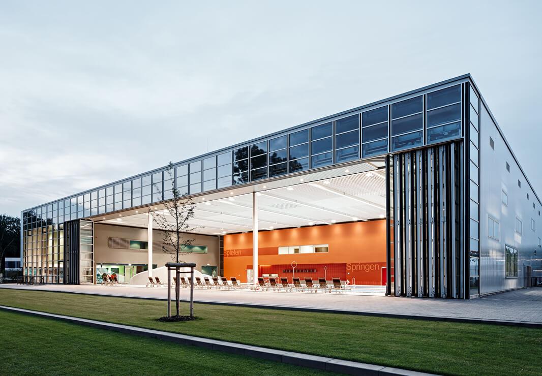 Inselparkhalle Hamburg Aufsatzfassade Rp Tec 55 1 Eckansicht