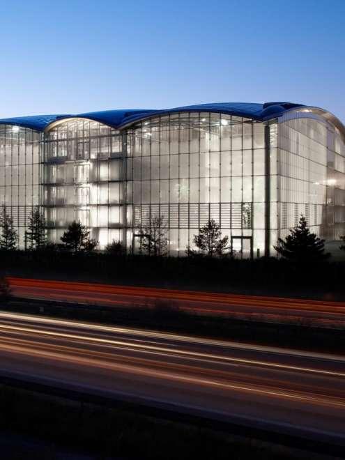 Lufthansa Frankfurt Stahl Aufsatzfassade rp tec 55-1 Gesamtansicht Vorschau